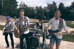 """Grupa """"On My Way"""" Jelgavas BMX trasē uzfilmē sportisku dziesmas video!"""