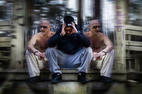 """Karavīrs un reperis R.2.R.S. gadu iesācis uz muzikālas nots, izdodot jaunu dziesmu """"Kā tādi esam""""."""