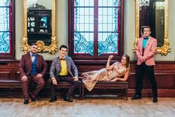 Laura Raila ar grupu ieraksta glamūrīgu mūzikas video
