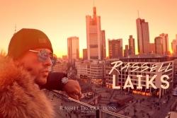 Rassell publisko Frankfurtē filmēto video dziesmai ''Laiks''.